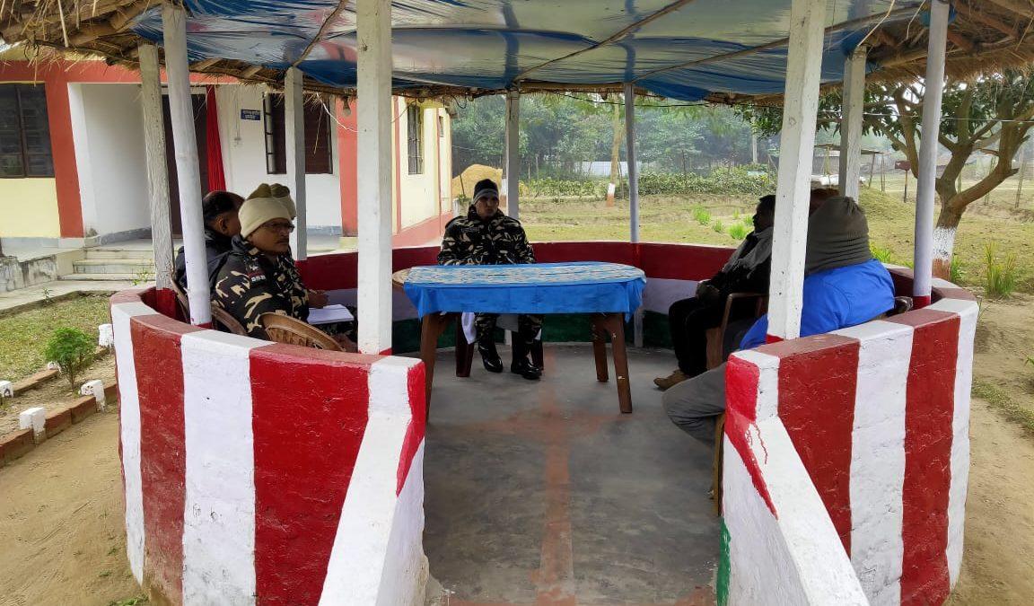 भारत-नेपाल सीमा पर तैनात SSB जवानों ने ग्रामीणों के साथ किया समन्वय बैठक