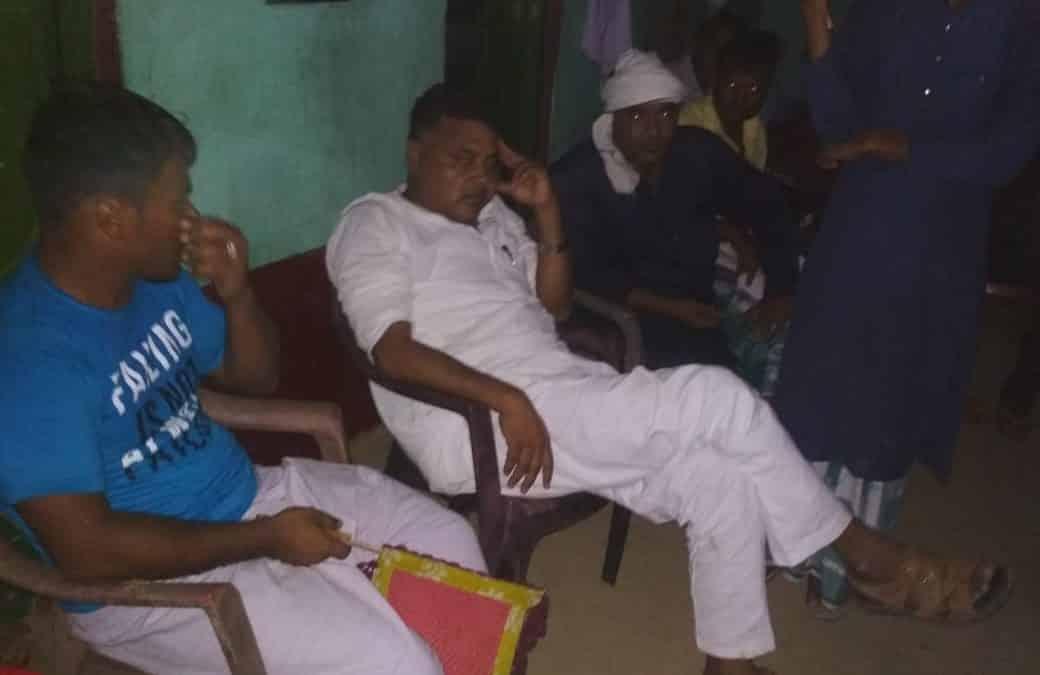 किशनगंज: ग्रामीणों ने जदयू विधायक को करीब चार घंटे बनाया बंधक