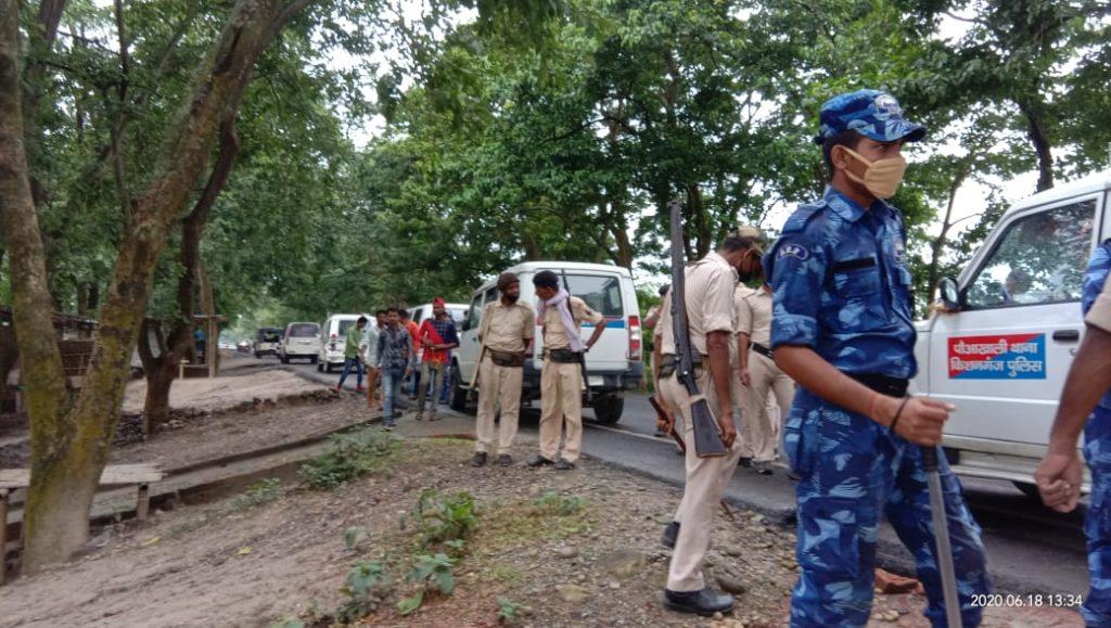 Kishanganj: Police raids in Bahadurganj redlight area, six girls in custody