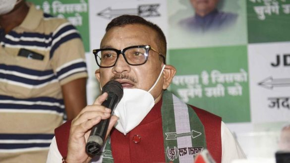 nitish kumar does not cheat anyone says gupteshwar pandey